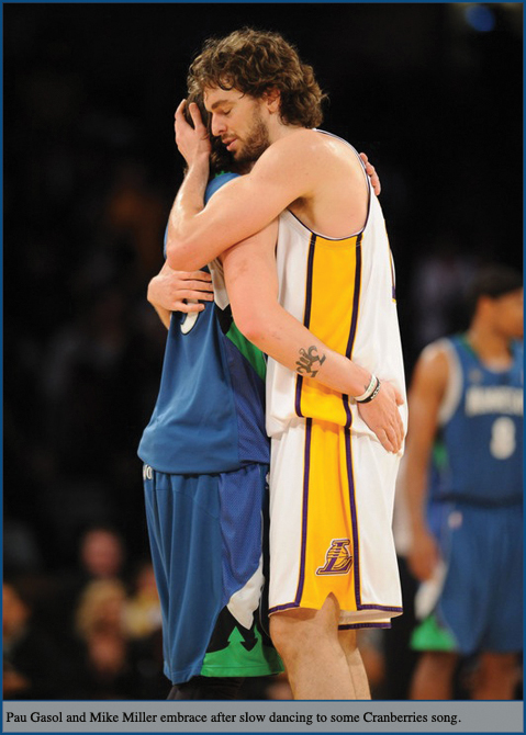 Pau-Gasol-embraces-Mike-Miller