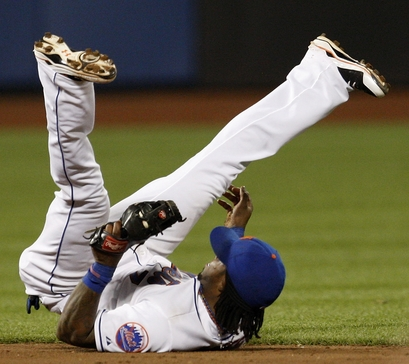 Jose Reyes would like to V-leg with you