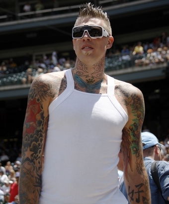 Chris Andersen makes a fantastic lesbian