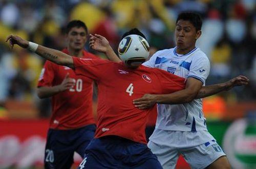 Chile's defender Mauricio Isla